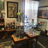 glass and images at treasure marts